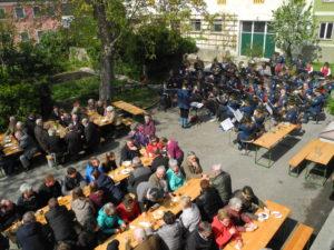 Frühschoppen zum 1. Mai in Wallmersdorf